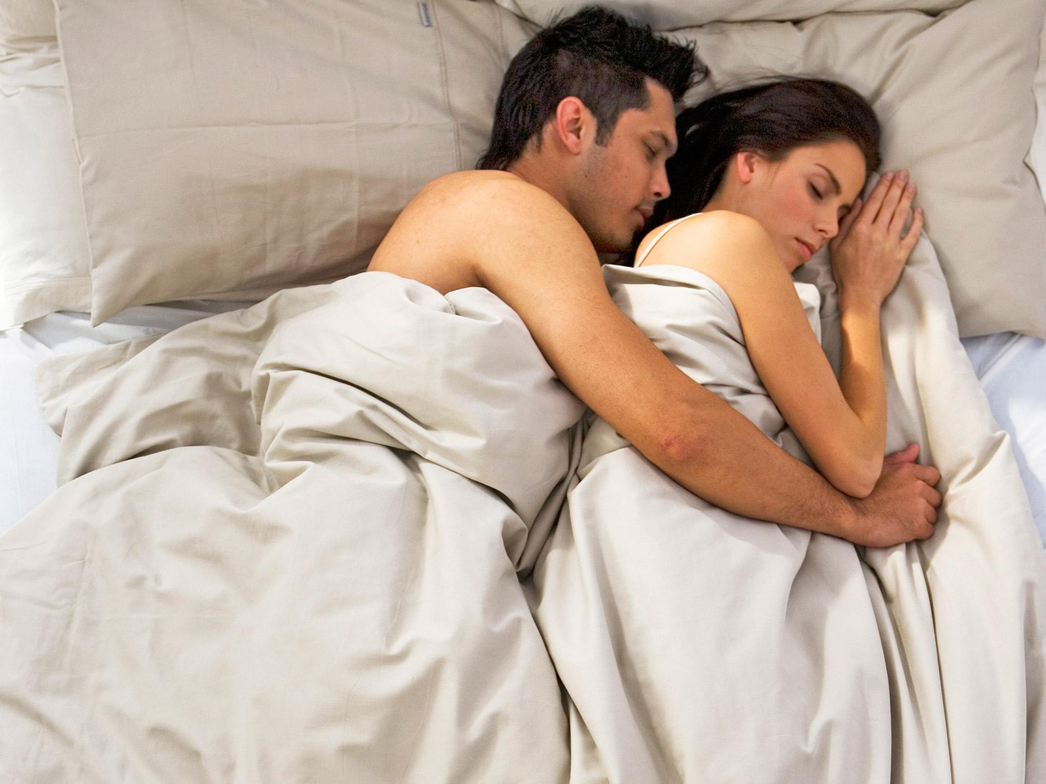 Фото парень и девушка в постели