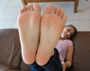 ciddi ciddi kadın ayağından tahrik olan erkek