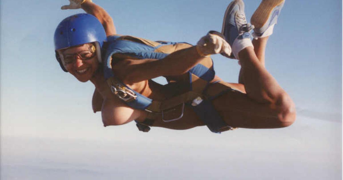 фотографии голых девушек парашютистов ведь никогда