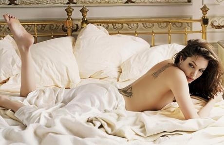 angelina jolie nin seksi fotoğrafları