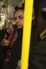 metrobüste ki şeytana benzeyen garip kız