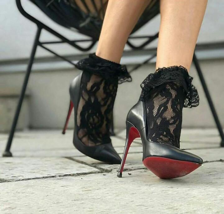 çoraplı ayakkabı