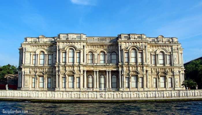 osmanlının çökerken şatafatlı saraylar yaptırması