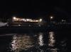 gece denize giren adam