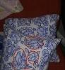 pipi desenli yastık