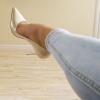 kot altı açık renk topuklu ayakkabı