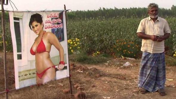 porno yıldızından korkuluk yapan çiftçi