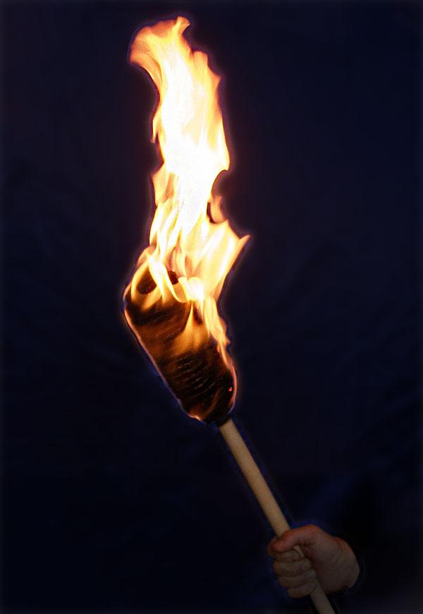 Картинка горящий факел в руке