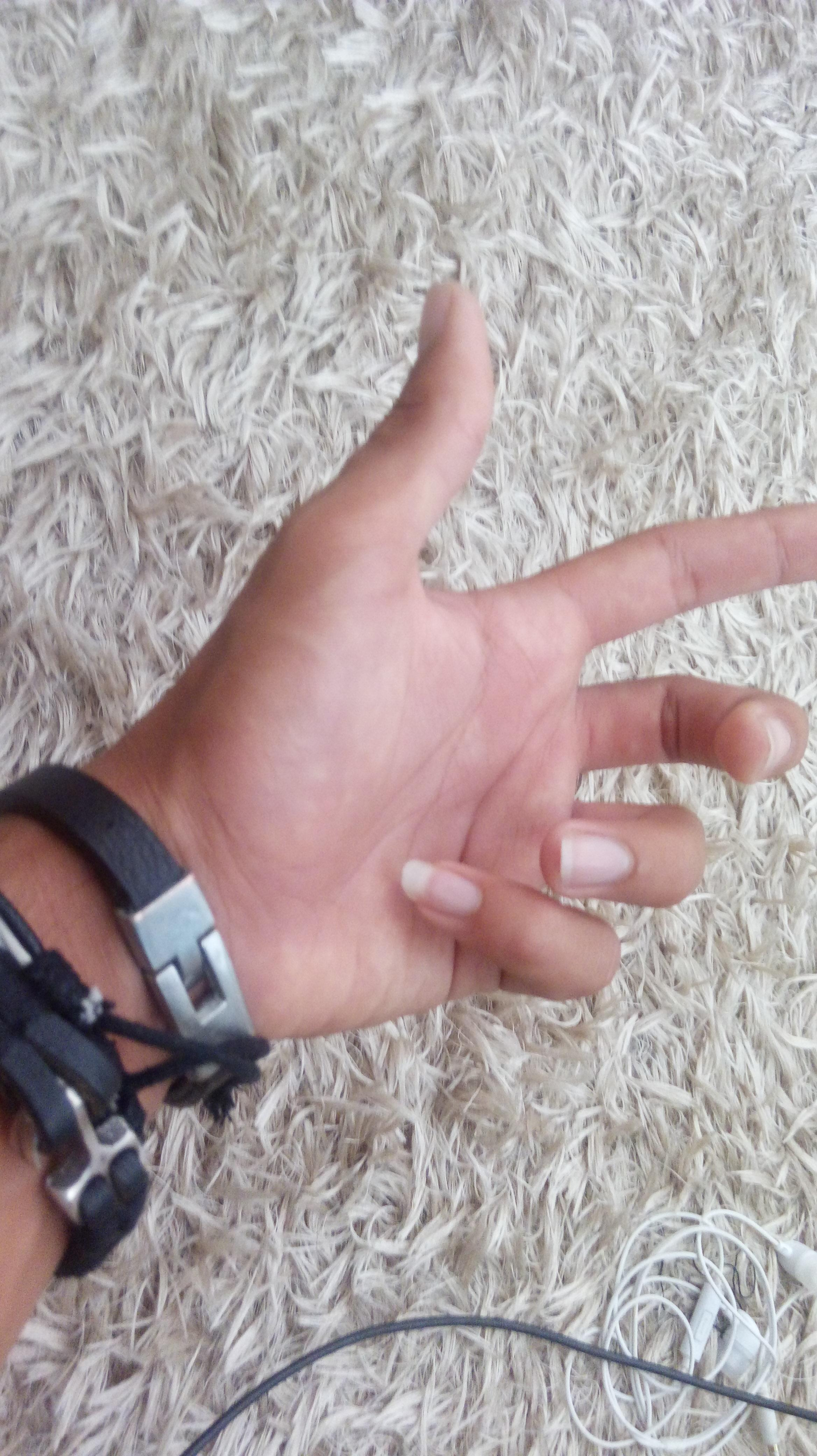 guzel erkek eli eli guzel olan erkegin