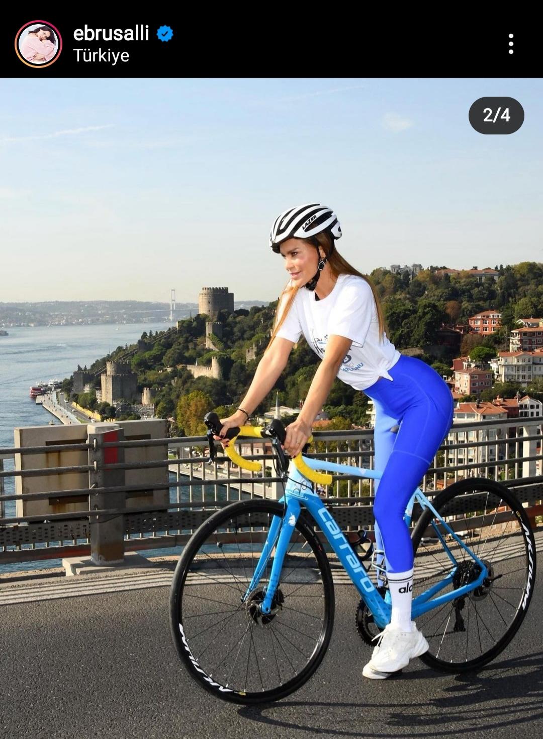 ebru şallı nın bisiklet üzerindeki pozu