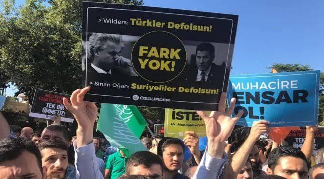 türkler defolsun pankartı