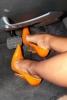 topuklu ayakkabı ile araba kullanmak